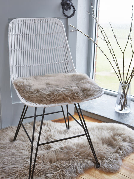 Luxurious Sheepskin Seat Cover - Caramel