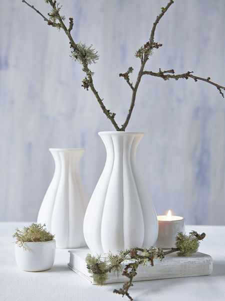 Small White Vase - linear