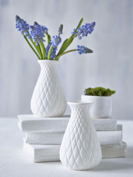 Small White Vase - diamond