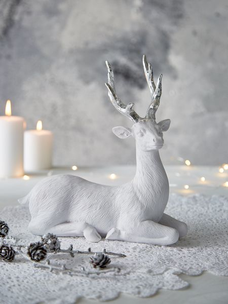 Large Nordic White Deer - Lying