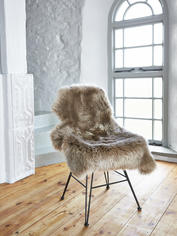 Luxurious Sheepskin Rug - Caramel
