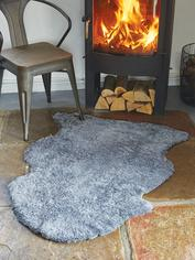 Luxurious Curly Sheepskin Rug - Light Grey